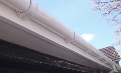 Guttering Reading - Guttering Berkshire - L Hill Roofing Ltd